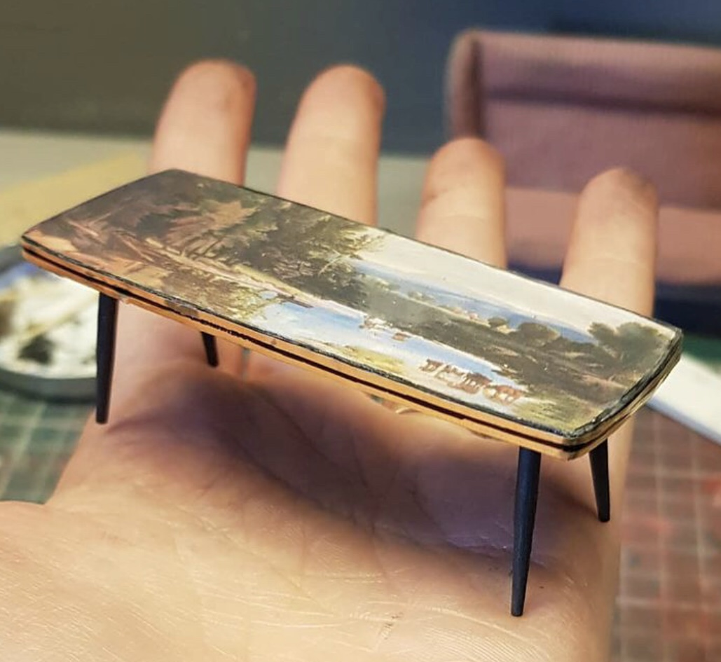 Miniature coffee table from the mini Bottom flat