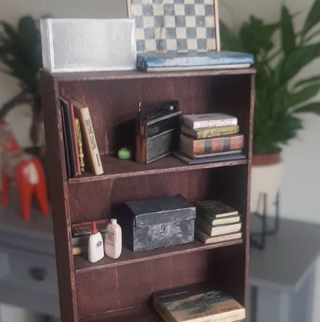Miniature bookcase from the mini Bottom flat